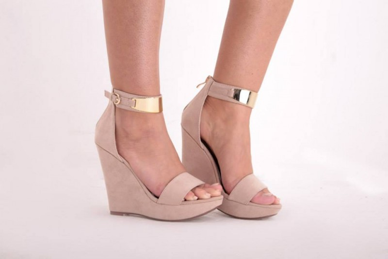 nude-wedges